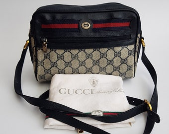 7b8baf635ff5a4 GUCCI Bag. Gucci Ophidia GG Supreme Vintage Monogram Blue Navy Shoulder Bag  .