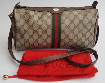 82f9e80109d8 GUCCI Bag. Gucci Vintage Ophidia GG Supreme Monogram Brown   Beige Shoulder  Bag . Italian designer purse.