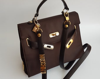 074392851cfd5 MOSCHINO Bag. Moschino by Redwall Vintage Brown Shoulder bag with  detachable lettered strap . Italian designer purse