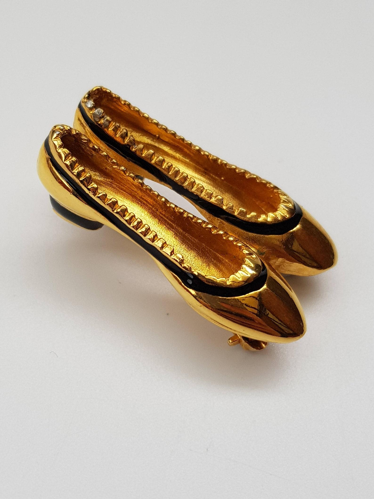 sale! ferragamo brooch. salvatore ferragamo vintage ballet style shoes brooch. italian designer jewellery.