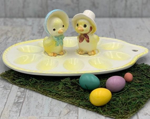 Vintage Ceramic Deviled Egg Tray with Chicken salt pepper set, Easter egg tray, collectible Salt Pepper