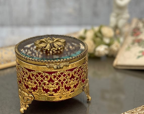 Vintage Jewelry Casket Gold ormolu filigree Round Trinket Box with ornate Glass Lid red velvet cushion, Gift for Her, Gift jewelry box