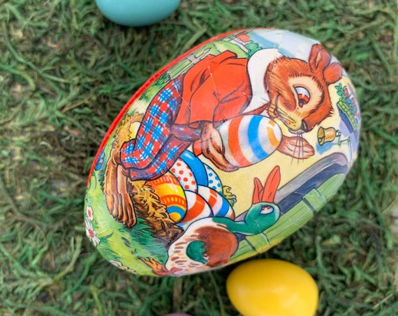Vintage Paper Mache Easter Egg box, Easter bunny Candy container, East Germany collectible Egg, Vintage Easter Decor