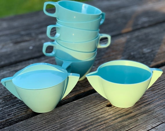 Vintage Turquoise Mallow ware Dishes, Mallo Belle Melamine Plastic Tea set  Picnic dishes Vintage Trailer Camping Glamping Rustic Cabin