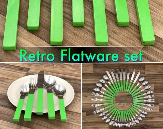 Vintage Stainless Flatware set Garden Green Plastic Handles, Retro Silverware Set Rustic Cabin Vintage Trailer Camping Glamping