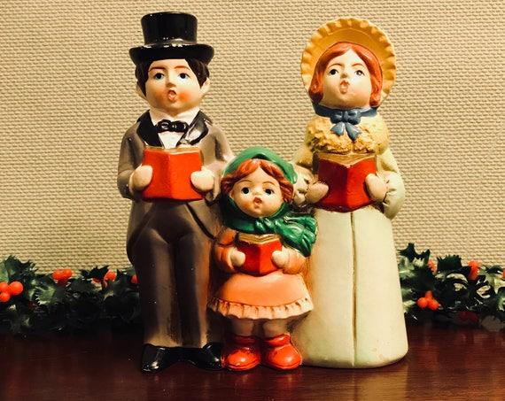 Christmas music box Vintage Caroling family figurine, Hand painted ceramic singing family of Carolers Dickens Christmas decoration, gift