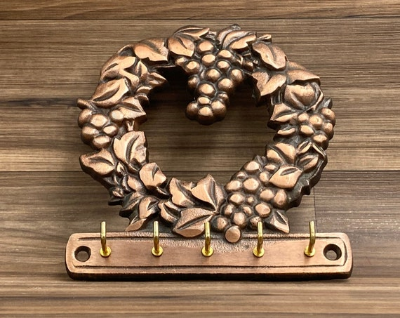 Copper Grapevine wreath Key organizer, Pfaltzgraff vintage key holder, kitchen storage and Organization