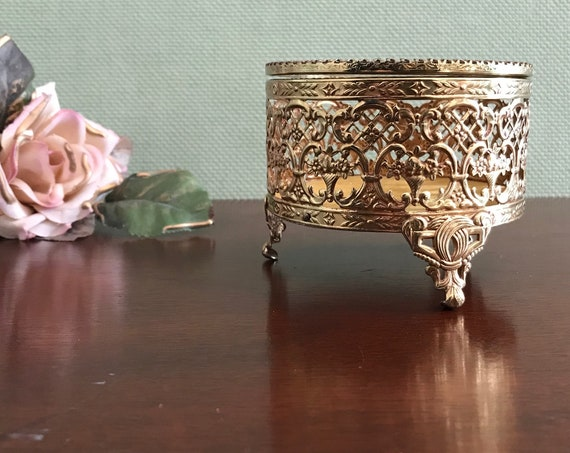 Vintage Jewelry Casket, Gold Tone filigree Round Trinket Box, Glass Lid, champagne velvet cushion, Gift for Her, Gift Box, jewelry box