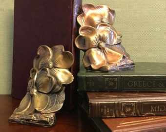 Gold Magnolia Bookends, Hollywood Regency Floral Bookends, Vintage Metal Flower bookends, Gold Gilt Bookends, Library, Gift for her, gift
