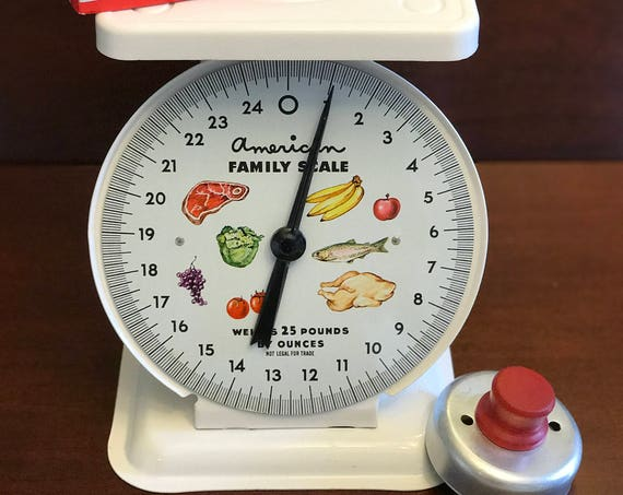 Vintage Scale, White American Family Scale, Kitchen Scale, Farmhouse Scale, Shabby Chic, Kitchen decor, decorator scale, Country scale, gift