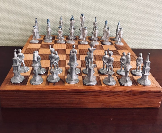 Vintage Revolutionary War Chess set Handcrafted Chess Board Handcast Pewter Chess pieces Collectors Chess game War for Independence Soldiers