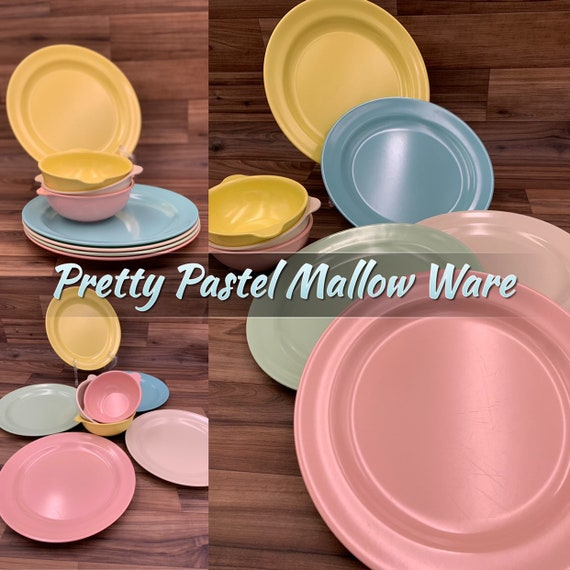 Vintage Mallow ware Dishes, Melmac Plastic Plate set, Mid Century Plastics, Picnic dishes, Vintage Trailer Camping Glamping Rustic Cabin