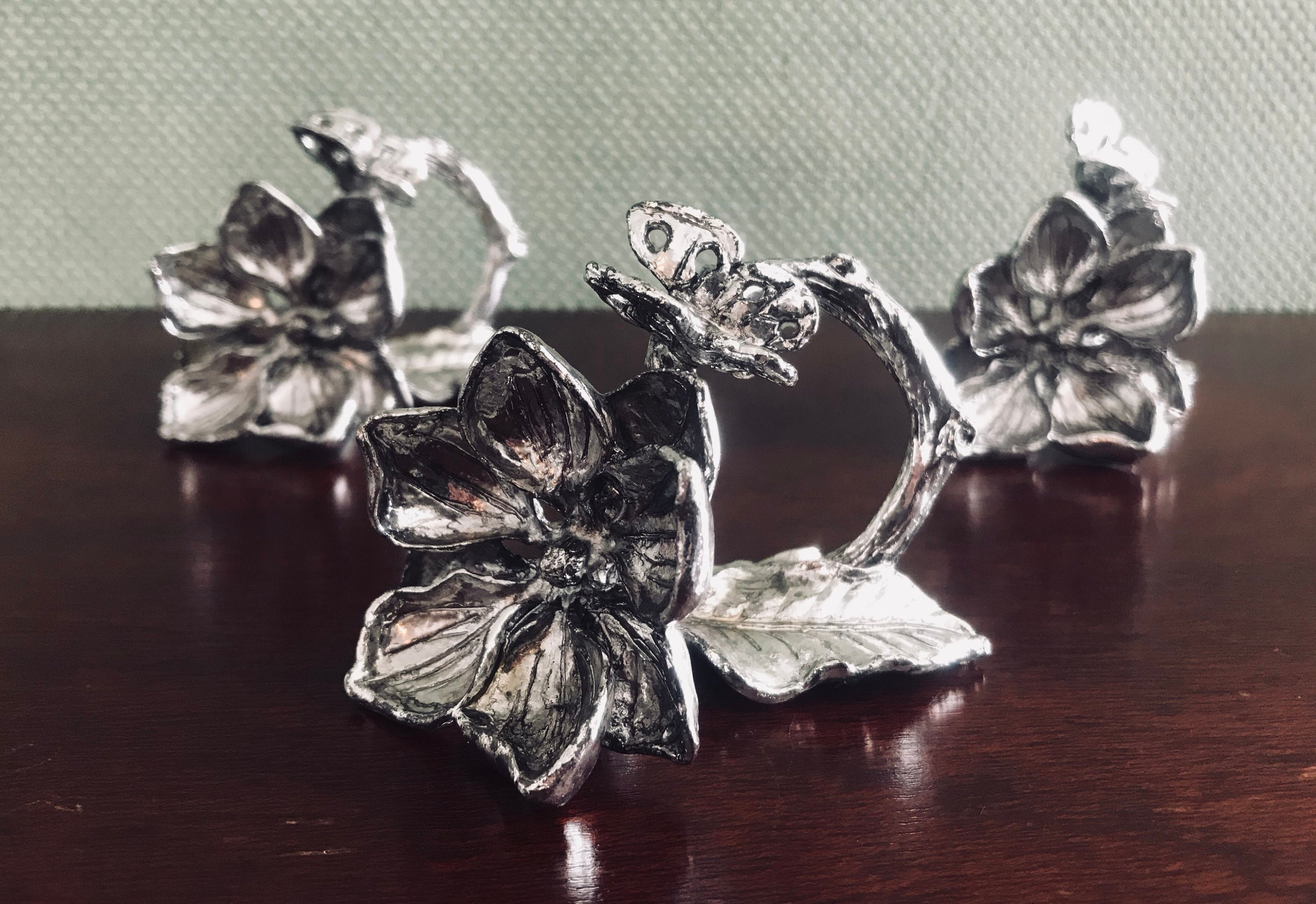 Vintage Magnolia Napkin Rings 3 Piece Set Arthur Court Silverplate Cottage Chic Gift For Her Tablesetting Decor Figural Napkin Rings