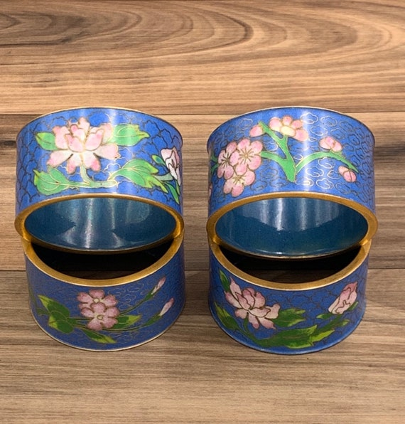 Vintage Cloisonne Napkin Rings, 4 piece set, Asian Dinner Napkin rings, Vintage Napkin Holders, Dinner party entertaining Gift for Her