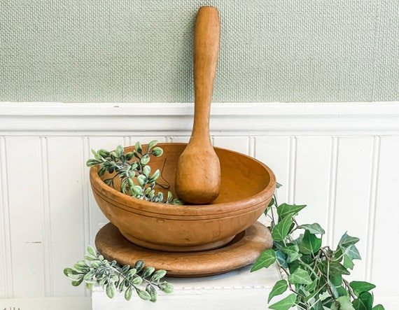 Vintage Rustic Wood bowl on stand with Pestle Masher, Farmhouse Home Decor, display bowl, Kitchen decor