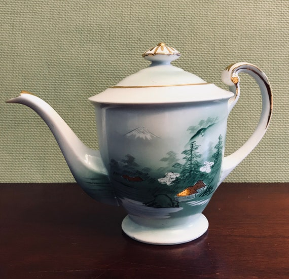 Mid Century Kutani China Teapot, Asian china, Mt Fuji Scene, Yozan China, Estate China, Occupied Japan era China, Tea party, gift