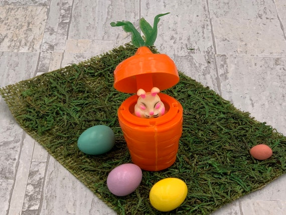 Vintage Easter Bunny pop up Toy, Squeaking Bunny in a plastic carrot, Retro Plastic Basket Stuffer, Vintage Easter Decoration