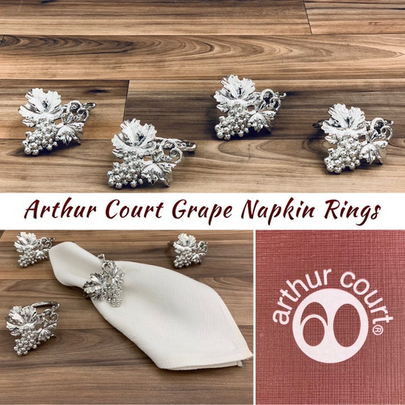 Vintage Grape Napkin Rings, Arthur Court Figural Grape Cluster napkin rings, 4 piece Napkin holders, Vineyard Table decor