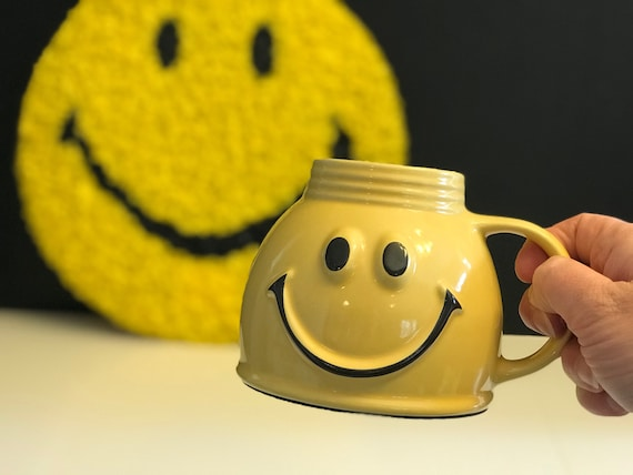 Smiley Face Mug, Travel Happy Mug, non spill Ceramic Smiley Mug Yellow, Cheery Mug Gift Mug, Emoji mug, collectible Smile mug