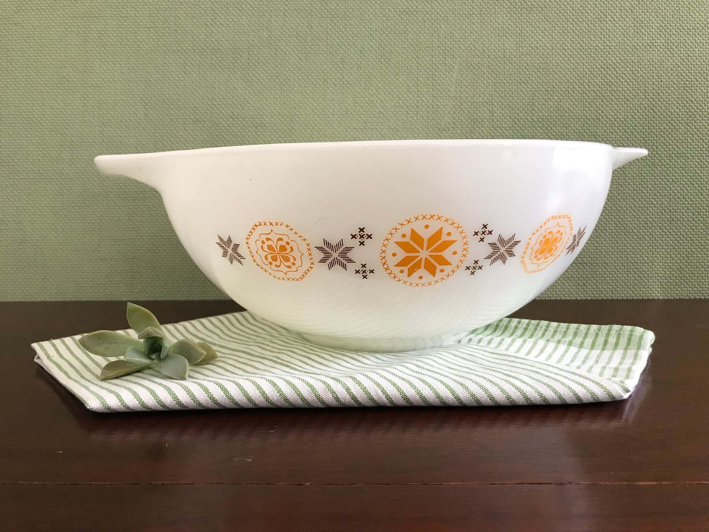 Vintage Pyrex Mixing Bowl, Town and Country pattern, Large ...