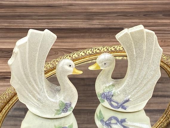 Vintage Ceramic Swan Salt and Pepper Set Figural Napkin rings, Table ware, gift for her