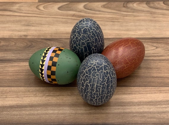 Painted Wood Easter Eggs Rustic Wood Ornaments, Vinatge Easter Decor