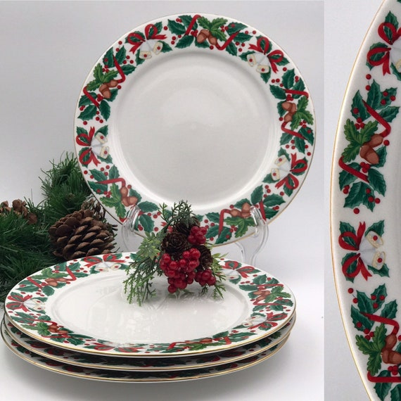 Vintage Christmas China Dinner plates set of 4 Royal Majestic Holiday Cheer pattern Gold trim, Buffet Dinner plates Holiday Dinner