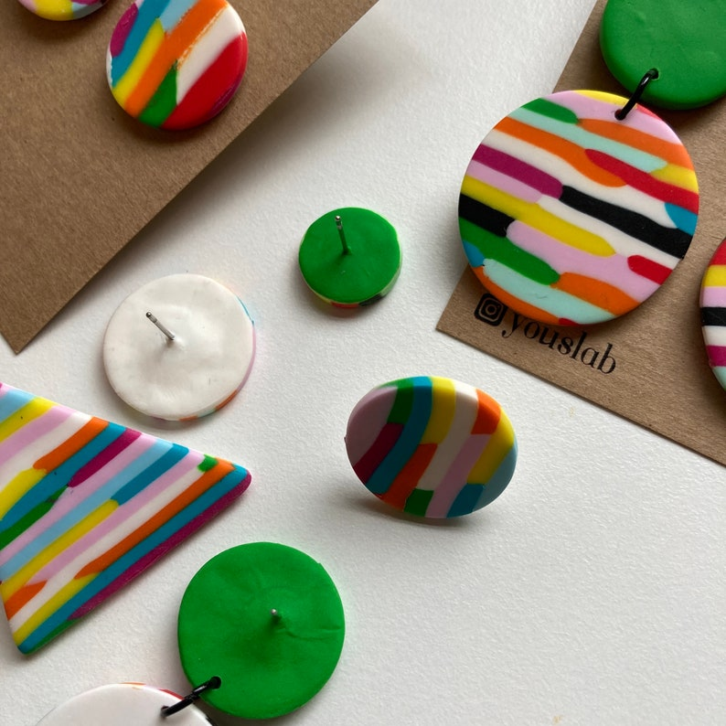 Horizontal Multicoloured Dangles