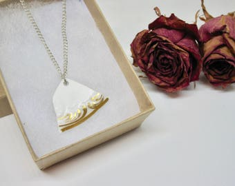 Vintage Teacup Pendant- Gift for Her- Vintage Lover Style- White & Gold Necklace- Handmade Jewellery- Upcycled Jewellery- Unique Jewellery