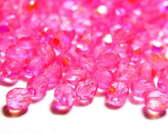 AI4-02 85 GLAS PERLEN 4 MM WÜRFEL ROSA