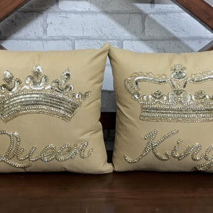 30/% OFF Mr and Mrs Pillow Set King and Queen Crown Couple Gift,Wedding Gift,Anniversary Gift,Gift for Bride,Newlywed,Engagement,Gift for Her