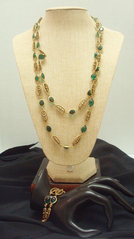 Corocraft Emerald Green Glass Flapper Station Neck