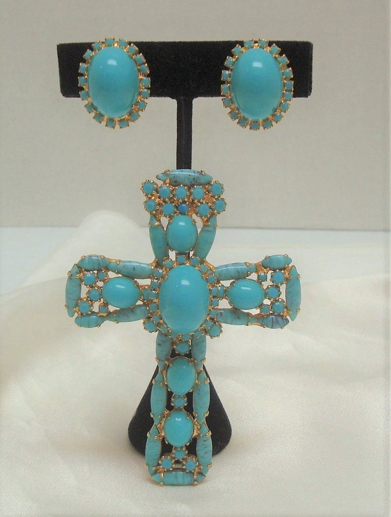 D and E Alice Caviness  Faux Turquoise Matrix Glass Cabochons Cross Pendant Brooch Alice Caviness Turquoise Glass Cab Earrings Demi