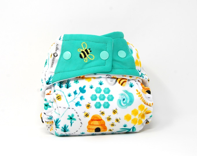Cloth Diaper : Honey Bees Diaper Cover or Pocket Diaper (One Size) Baby Shower Gift