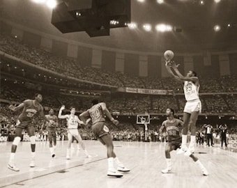 Michael Jordan UNC VS. Georgetown  National Championship 1982  Poster  16 x 20