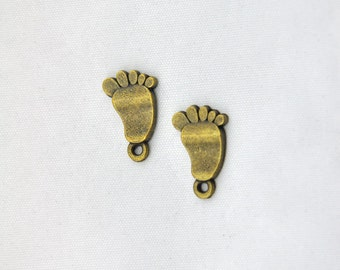 Foot charms -30pcs Antique Bronze Feet charm pendants Jewelry Findings --10*17mm--G239