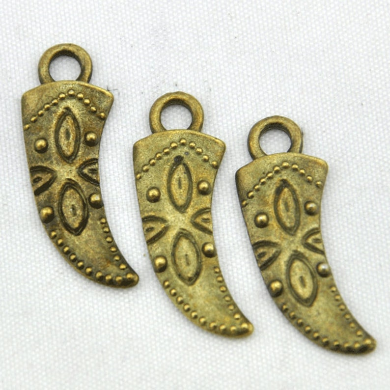 20pcs Antique Bronze  Cow Horn Charm Pendants  10*28mm--G486