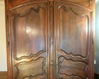Antique large French Louis style ornate carved armoire linen press. Collect from us or ask for UK shipping quote
