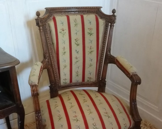 Antique French chair pretty Louis XIV style fauteuil armchair with fabulous carved frame