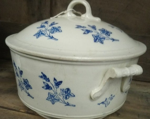 Lovely French St Uze antique ironstone casserole dish tureen lidded oven dish