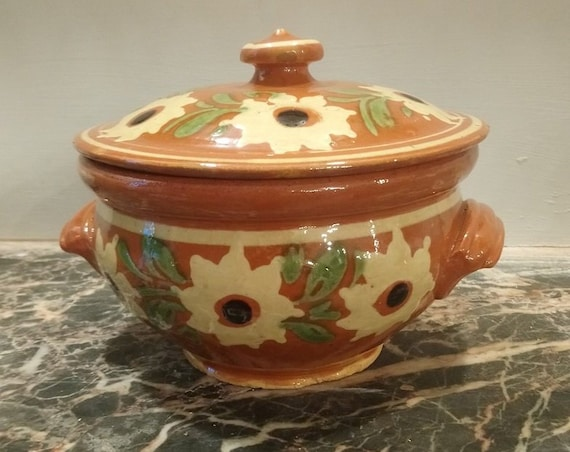 Lovely French slipware sunflower decorated casserole dish tureen lidded oven dish