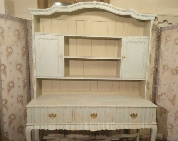 Beautiful shabbychic painted antique style dresser with plate rack shelves and sideboard base