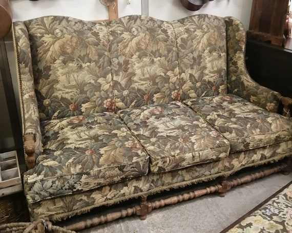 Beautiful antique vintage camel hump back sofa with bobbin turned legs and rails