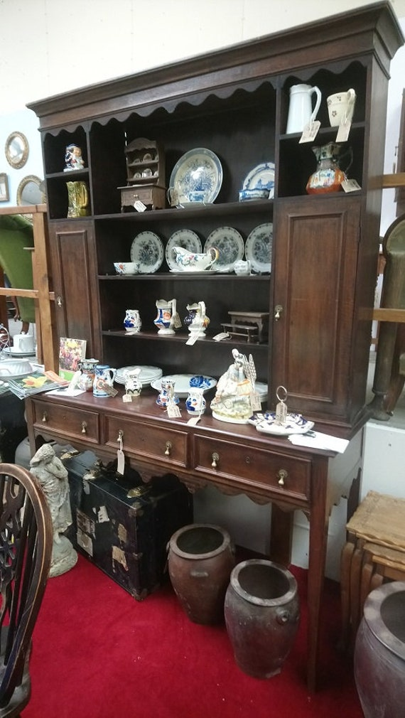 Beautiful Antique C19th dresser with plate rack shelves and sideboard base