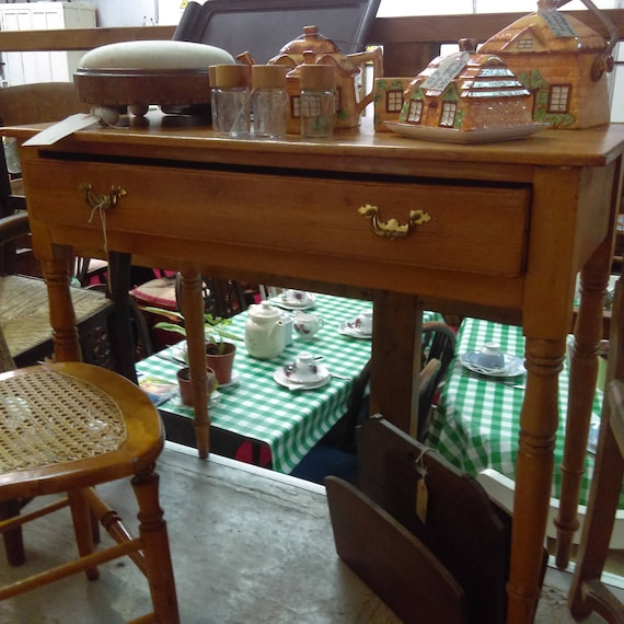 Old antique pine ladies desk or side table hall table lamp table