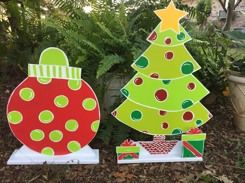 Christmas yard art Outdoor Christmas decoration Wooden Tree