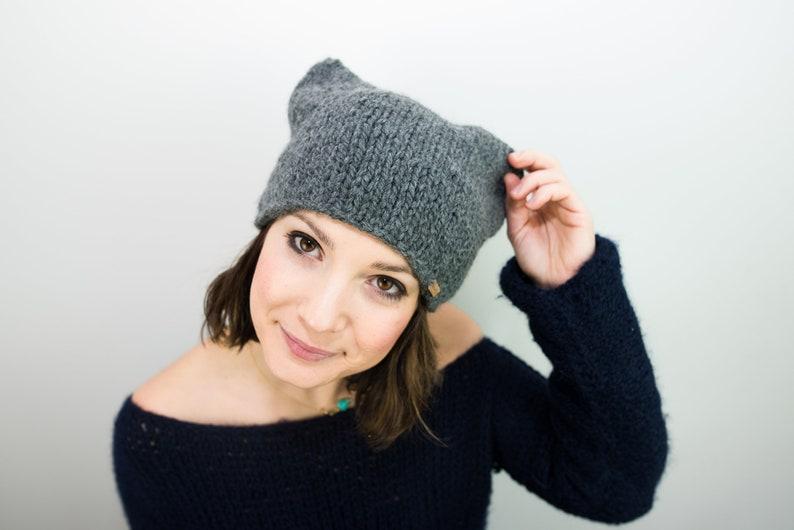 Cappello con orecchie da donna ai ferri in lana e alpaca  007d45e21335