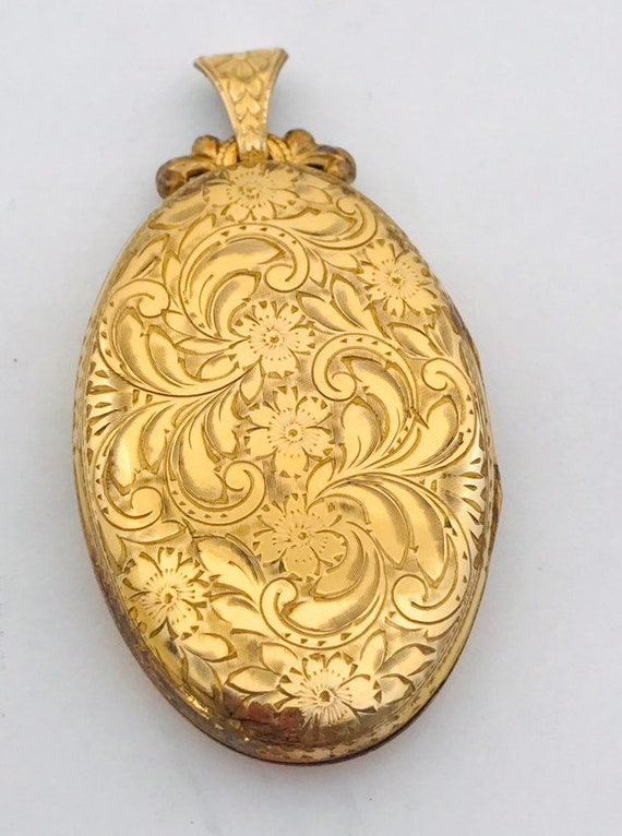 Large Oval etched gold filled locket, locket etche
