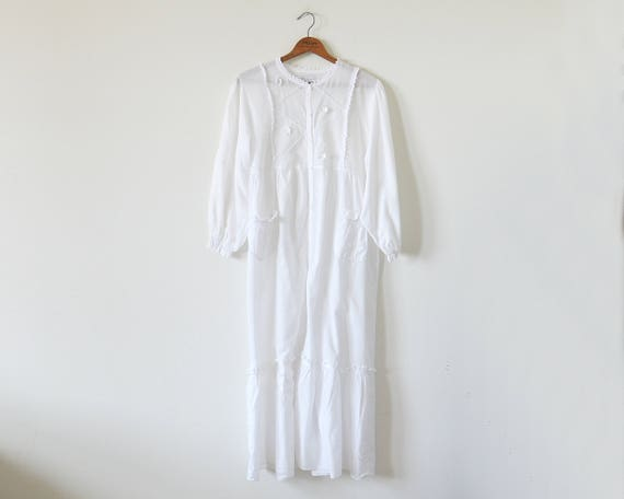 Vintage white lounge dress / cotton loungewear
