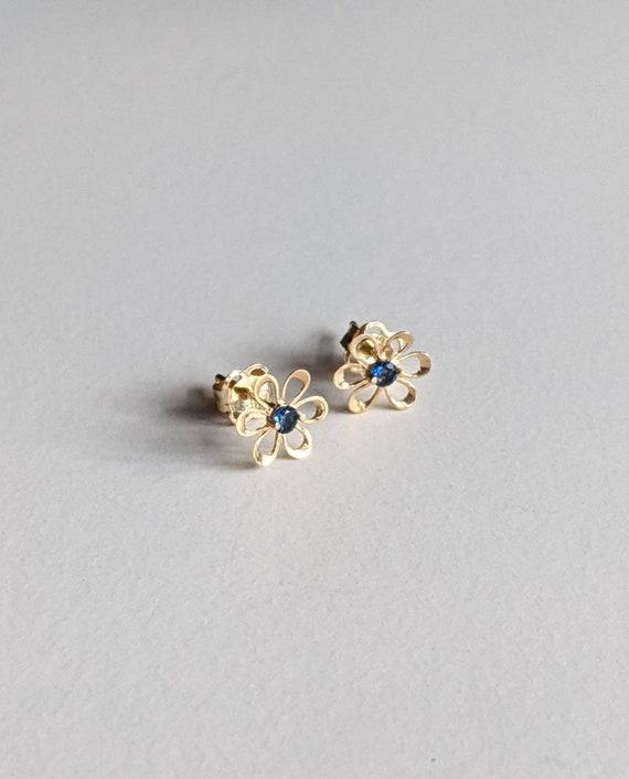 Vintage Sapphire Daisy Studs, 14k Gold, Small Earr